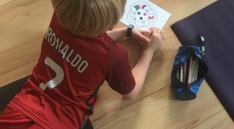 Schreibtisch für das Schulkind? 8 Gründe, warum ein Schulkind KEINEN Schreibtisch braucht